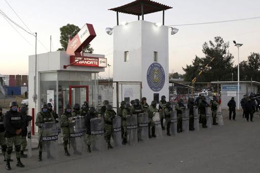 Un reo muerto y cinco heridos deja riña en Penal de San Miguel