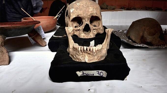Continúa INAH con el análisis de 80 entierros humanos prehispánicos descubiertos en Atlixco