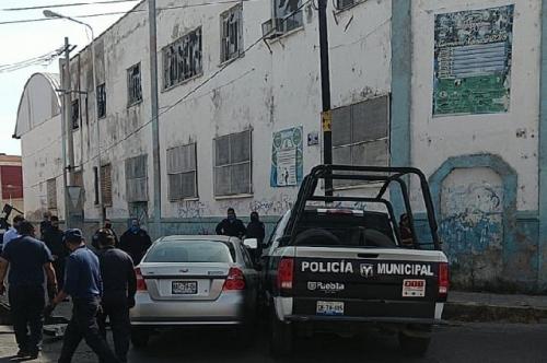 Patrulla choca contra vehículo en el Barrio de Xonaca
