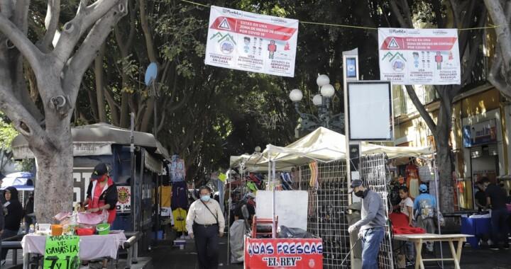 Ambulantes desobedecen decreto y se instalan en Centro Histórico