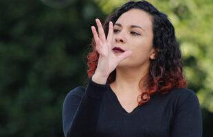 Proponen a la SEP crear una academia de lenguaje de señas