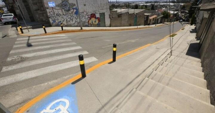 Ayuntamiento de Puebla rehabilita avenida en San Pablo Xochimehuacan