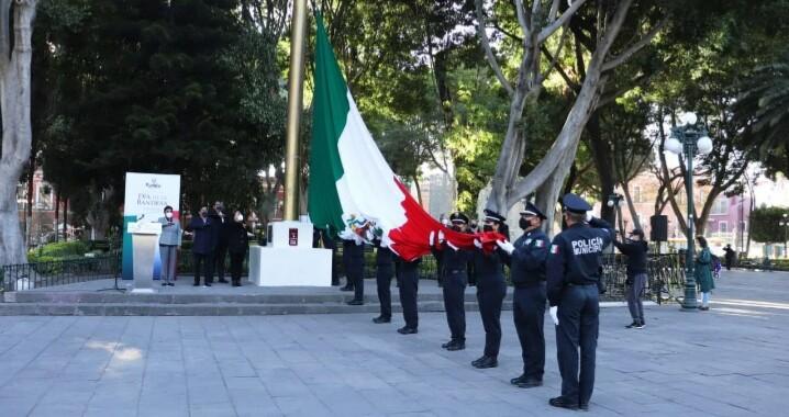 Ayuntamiento de Puebla celebra el Día de la Bandera
