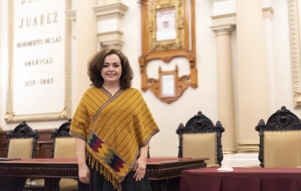 Aprueban renuncia de Liza Aceves como titular de la Secretaría del Ayuntamiento