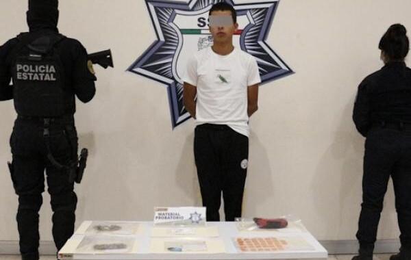 Detienen a presunto distribuidor de droga en Cruz del Sur