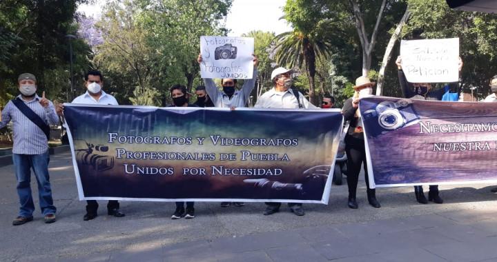 Fotógrafos y videógrafos se manifiestan en la capital para exigir apoyos económicos