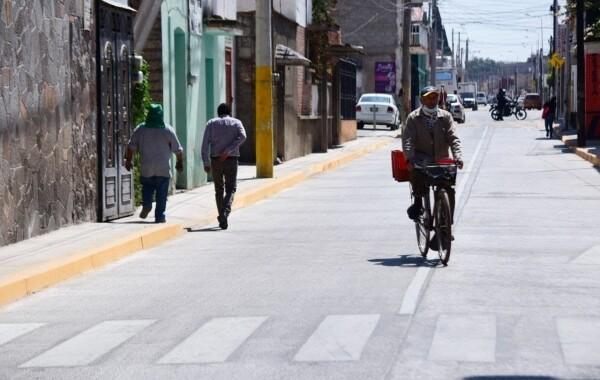 Rehabilitan calles con concreto hidráulico en zona CAPU