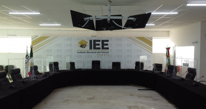 Aprueba IEE debates en 11 municipios de Puebla