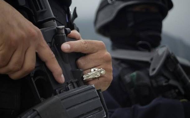 Comando armado asalta camioneta de valores y extrae seis mdp