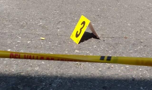 Asesinan a joven en Acatzingo; dejan mensaje de advertencia
