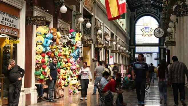 Comercios en Puebla reportan ventas del 40%: Canaco