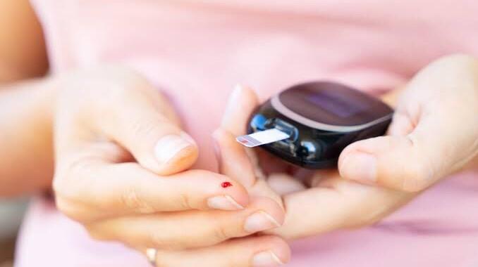 Hipertensión y diabetes mellitus, enfermedades más comunes en las mujeres