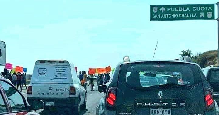 Levantan bloqueo en la autopista México-Puebla