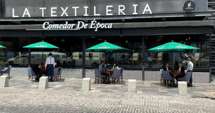 Instalan terrazas móviles en Avenida Juárez; prevén incremento en ventas de hasta 15%