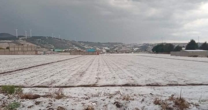 Protección Civil atiende a perjudicados por granizadas en Acatzingo y Tecamachalco