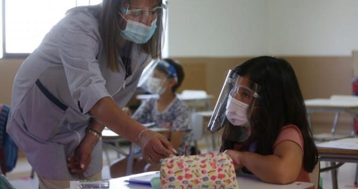 A partir del lunes vacunarán contra Covid-19 a maestros en Puebla
