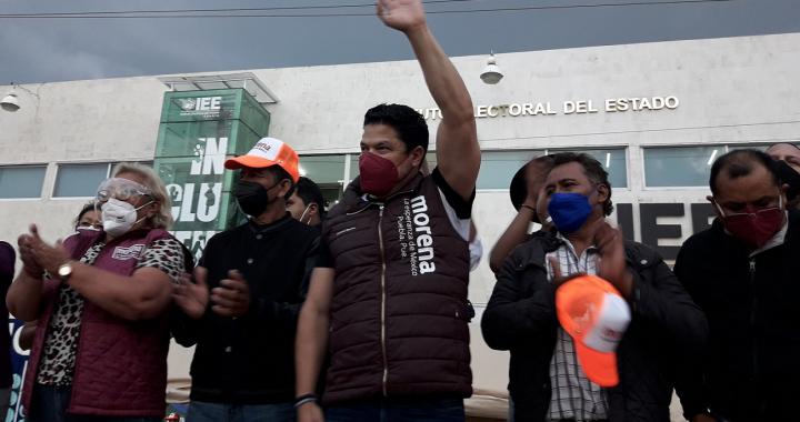 Biestro se suma a la protesta de Morena en Puebla