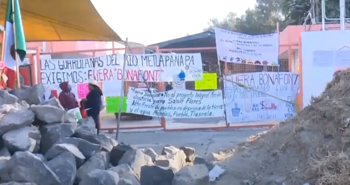 Continúa protesta contra Bonafont en Juan C. Bonilla