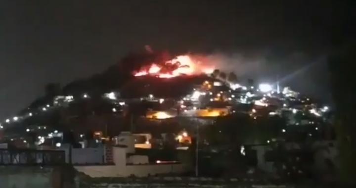 Reportan incendio en el cerro de San Miguel, Atlixco