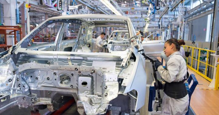 Volkswagen suspenderá producción de Tiguan por desabasto de semiconductores