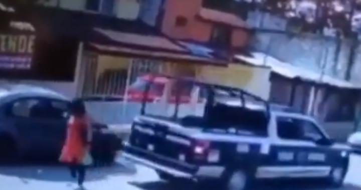 Patrulla municipal de Huauchinango atropella a mujer de la tercera edad