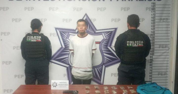 Detienen a presunto narcomenudista en Arboledas de Guadalupe