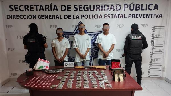Caen tres presuntos distribuidores de droga en Atlixco