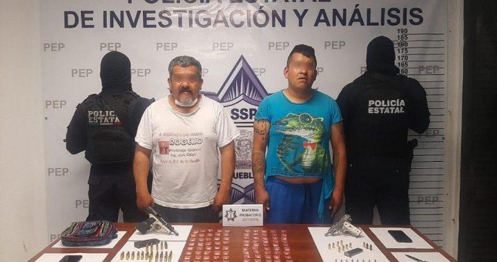 Detienen a dos presuntos vendedores de armas