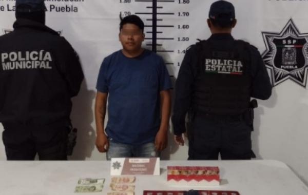 Cae presunto asaltante de tiendas de conveniencia en Texmelucan