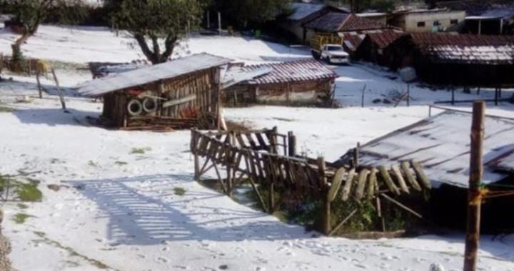 Provoca granizada daños en comunidad de Chignahuapan