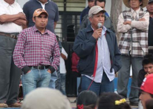Manifestantes bloquean paso en rotonda de la China Poblana por falta de agua en Canoa