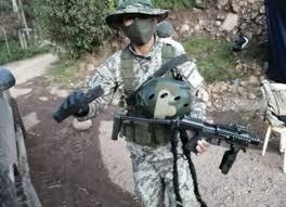 Detienen a sujeto por portar artículos de uso exclusivo de las Fuerzas Armadas