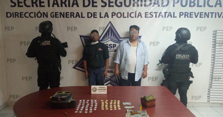 Caen dos presuntos narcomenudistas en Amozoc