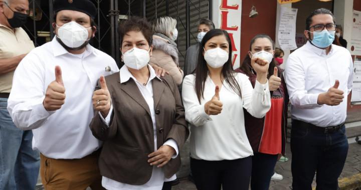Claudia Rivera emite su voto; pide elecciones limpias