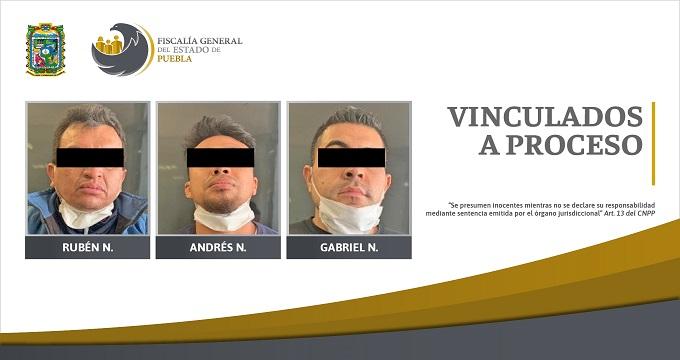 FGE vincula a proceso a tres hombres por homicidio y portación ilegal de arma de fuego