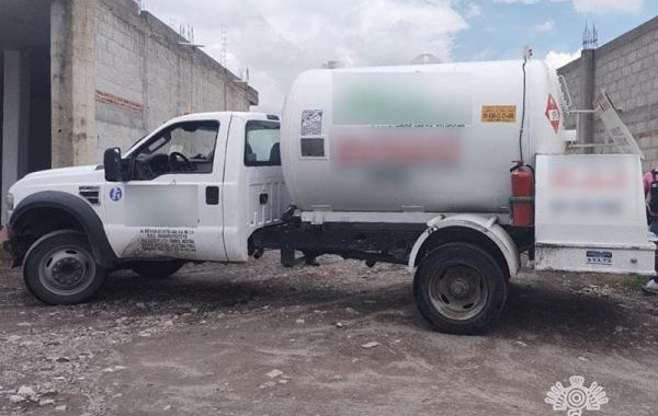 Aseguran a tres personas por no acreditar posesión de gas LP
