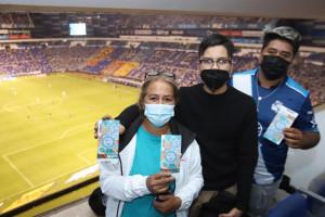 Disfrutaron poblanos partidos de La Franja en el Cuauhtémoc: SEDIF