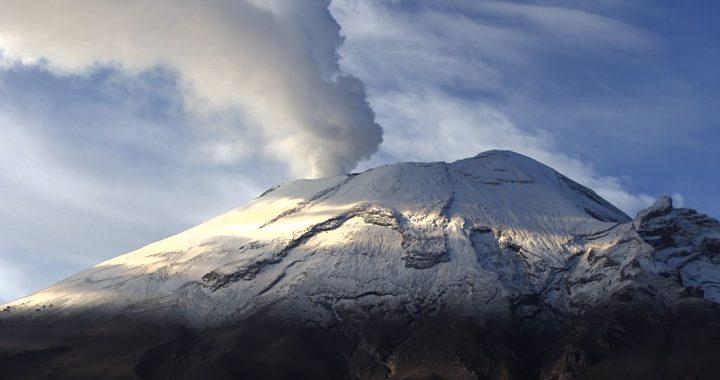 Popocatépetl reporta 121 exhalaciones y 43 minutos de tremor
