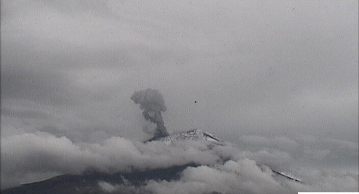Popocatépetl reporta 95 exhalaciones y 144 minutos de tremor