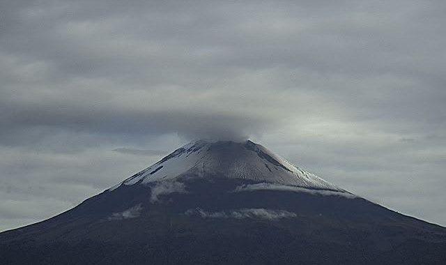 Popocatépetl reporta 44 exhalaciones y 15 minutos de tremor