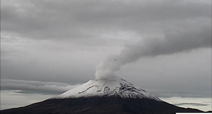 Reporta Popocatépetl 37 exhalaciones y 8 minutos de tremor