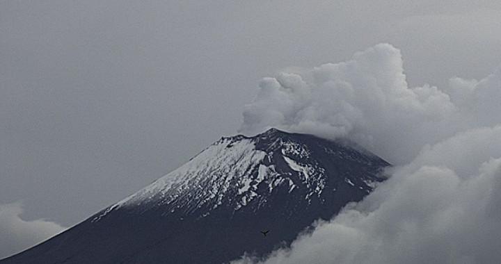 Popocatépetl reporta 43 exhalaciones y 51 minutos de tremor