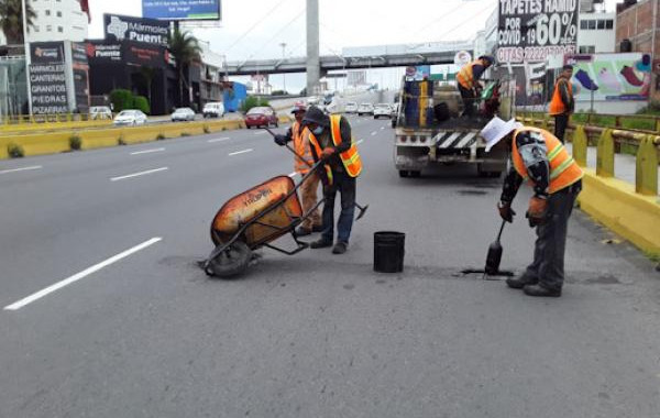 Infraestructura trabaja en mantenimiento de Vía Atlixcáyotl