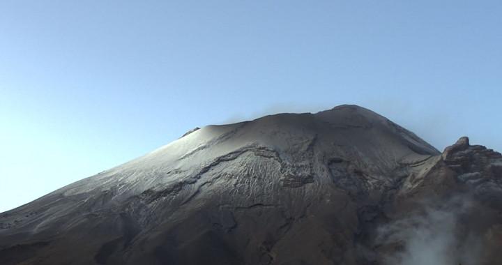 Reporta Popocatépetl 74 exhalaciones y 680 minutos de tremor