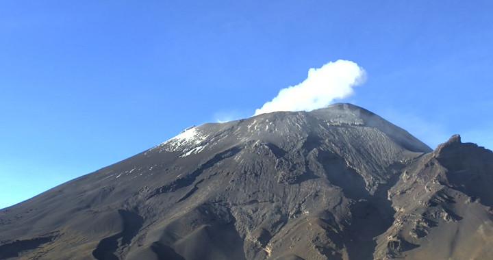 57 exhalaciones y 31 minutos de tremor, reporta Popocatépetl