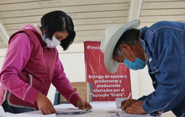 """SDR entrega indemnización a productores afectados por """"Grace"""" en la región Chignahuapan"""