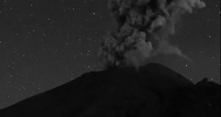 Reportan posible caída de ceniza del Popocatépetl