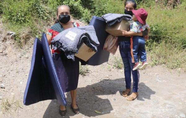 SEDIF y Fundación Telmex-Telcel apoyan a damnificados de Sierra Nororiental