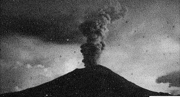 Reportan cinco explosiones menores del volcán Popocatépetl